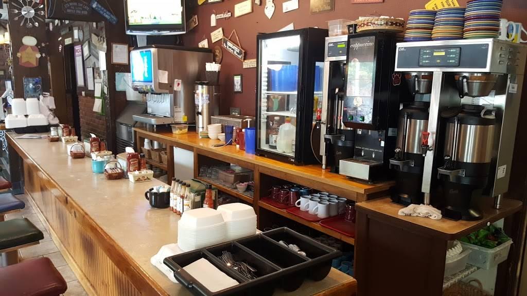 Kaboodles Kafe   restaurant   13677 Main St, Akron, NY 14001, USA   7164425007 OR +1 716-442-5007