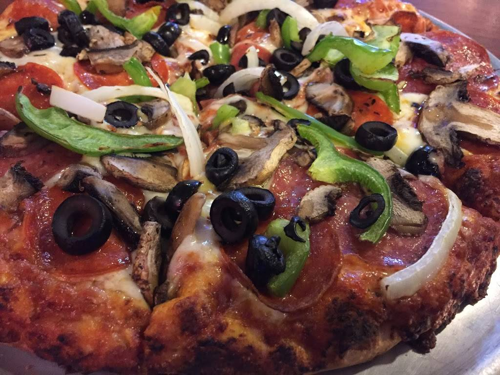 Round Table Pizza Lincoln Ca.Round Table Pizza Meal Delivery 1175 Lincoln Ave San Jose Ca