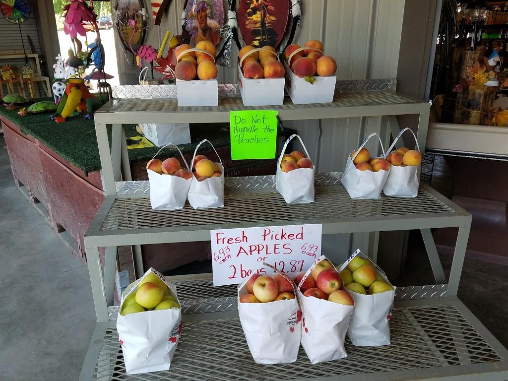 Hideaway Farms Market | meal takeaway | 1 E Main St, Grafton, IL 62037, USA | 6187864856 OR +1 618-786-4856