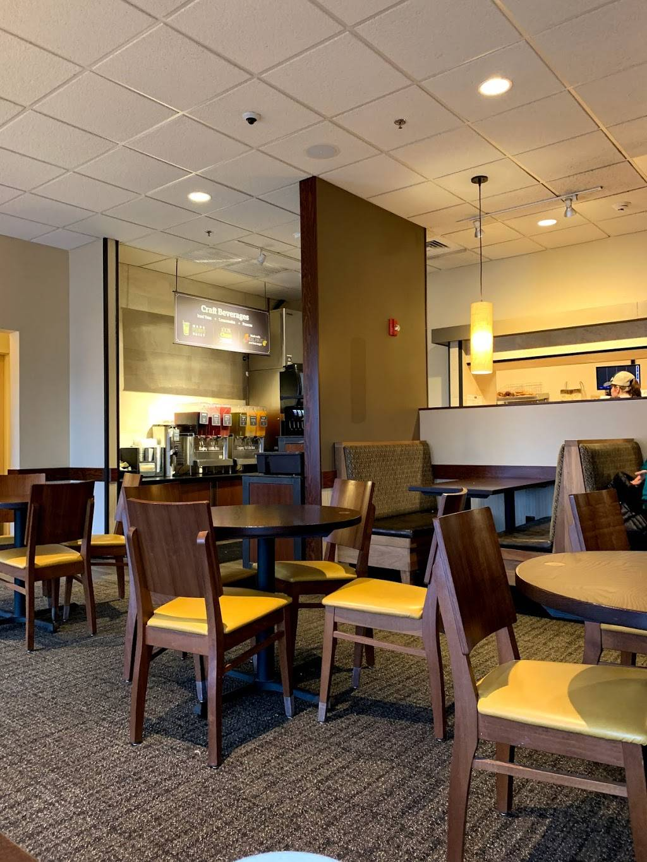 Panera Bread | cafe | 17 Teterboro Landing Drive, Teterboro, NJ 07608, USA | 2014269002 OR +1 201-426-9002
