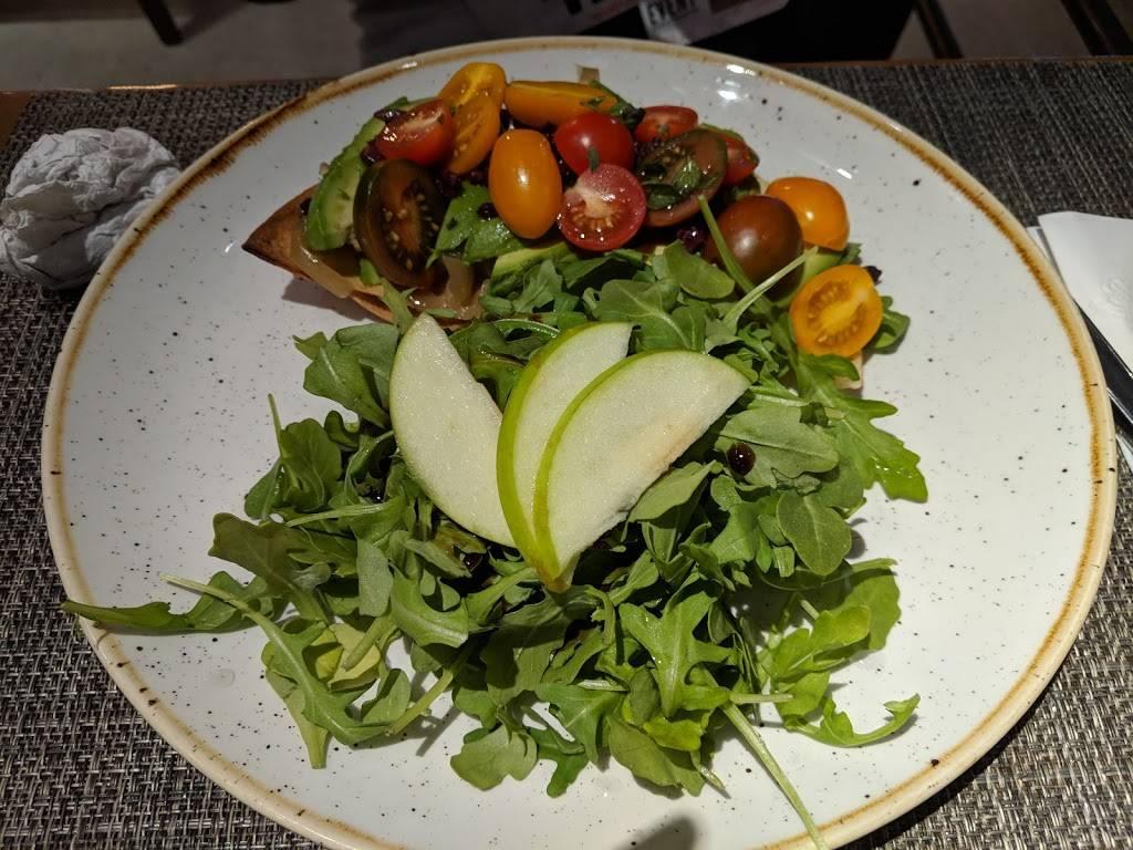 Ovelia   restaurant   34-01 30th Ave, Astoria, NY 11103, USA   7187217217 OR +1 718-721-7217