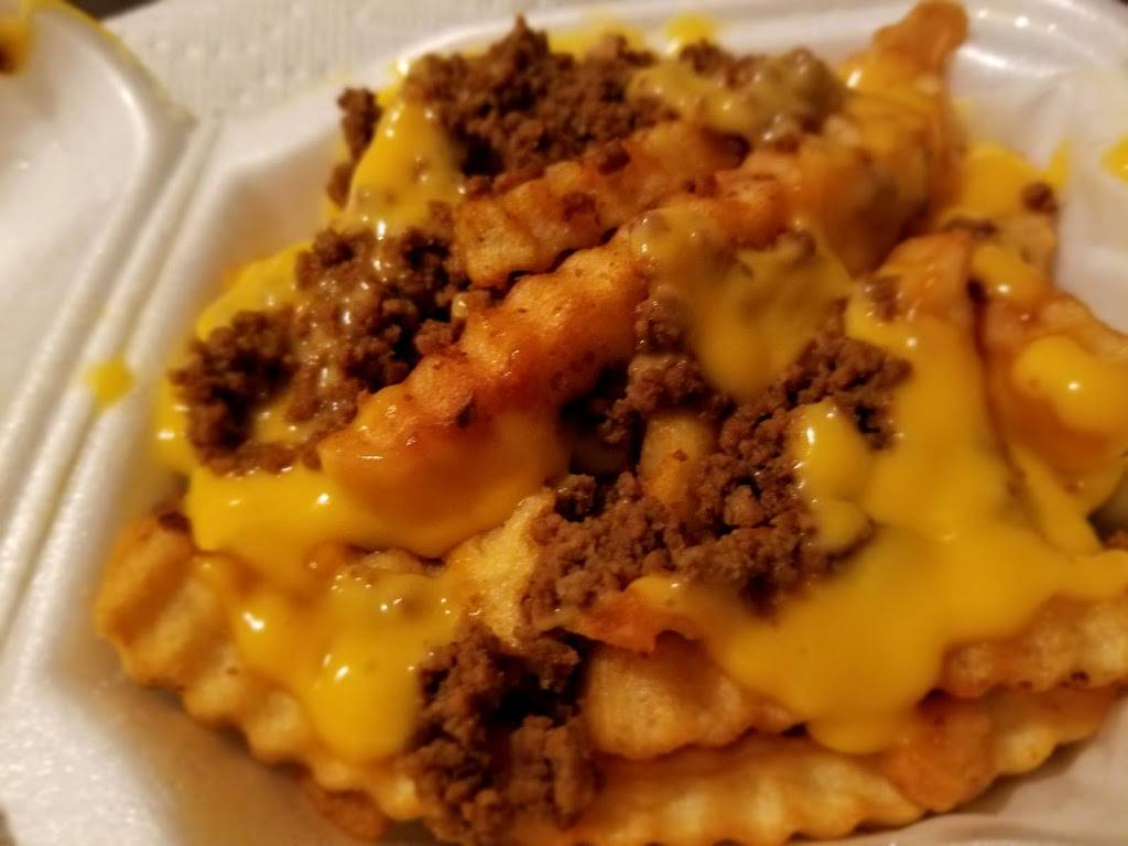 Robos Drive-In | restaurant | 9233 Orby Cantrell Hwy, Pound, VA 24279, USA | 2767965331 OR +1 276-796-5331