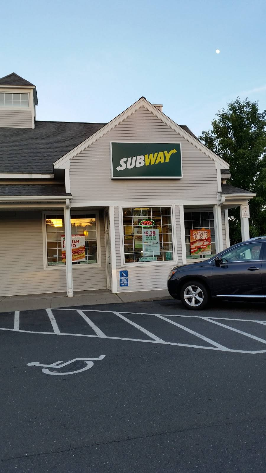 Subway | meal takeaway | 450 New Park Ave Unit C, West Hartford, CT 06110, USA | 8602360887 OR +1 860-236-0887