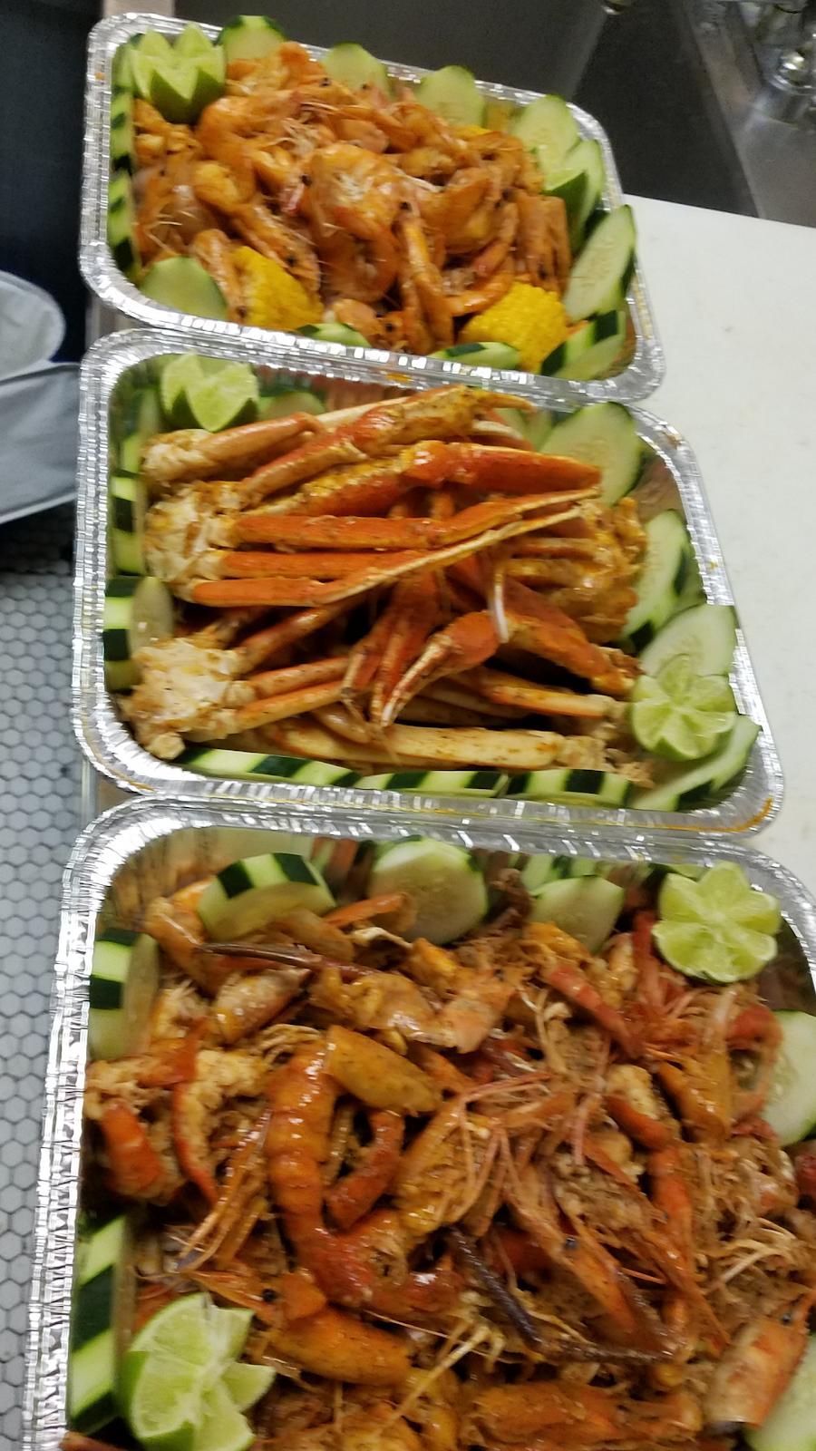 El Marisquerito Seafood Catering   restaurant   2912 N Major Ave, Chicago, IL 60634, USA