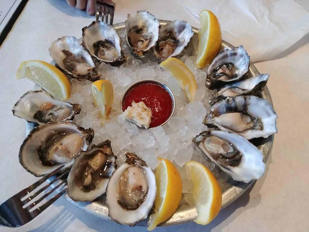 Big Catch Seafood House   restaurant   150 E Broadway, Long Beach, CA 90802, USA   5624914600 OR +1 562-491-4600