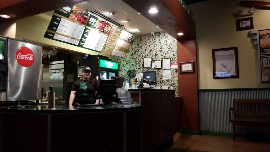 Wingstop | restaurant | 7335 Good Hope Rd, Milwaukee, WI 53223, USA | 4143525555 OR +1 414-352-5555