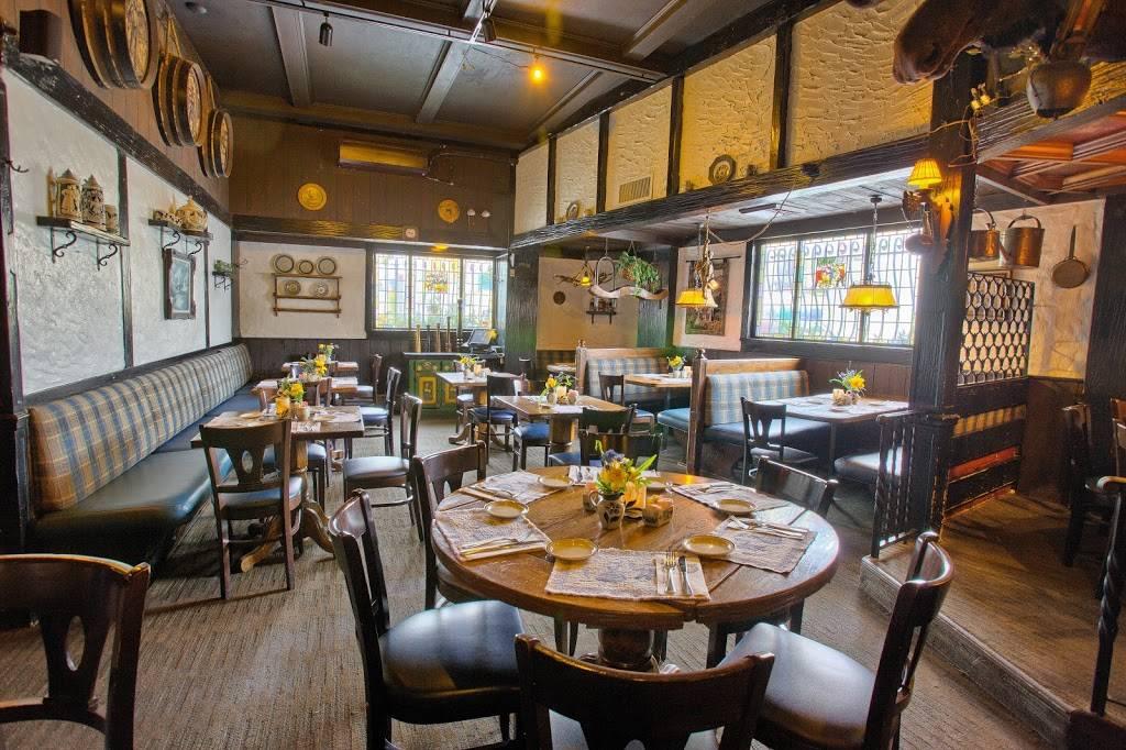 Zum Stammtisch | restaurant | 69-46 Myrtle Ave, Glendale, NY 11385, USA | 7183863014 OR +1 718-386-3014
