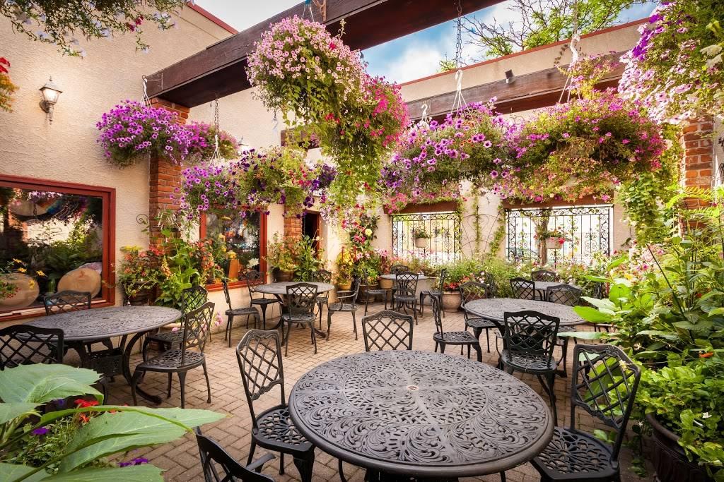 Sierra Station   restaurant   15110 Mack Ave, Grosse Pointe Park, MI 48230, USA   3138221270 OR +1 313-822-1270
