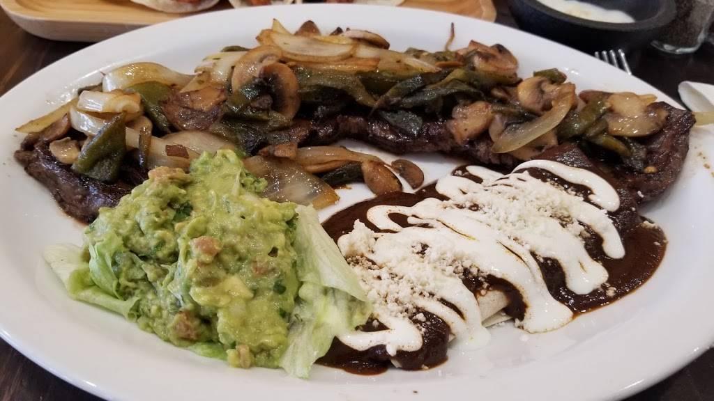 Estrellita Mixteca   restaurant   1813 Westchester Ave, Bronx, NY 10472, USA   7188923333 OR +1 718-892-3333