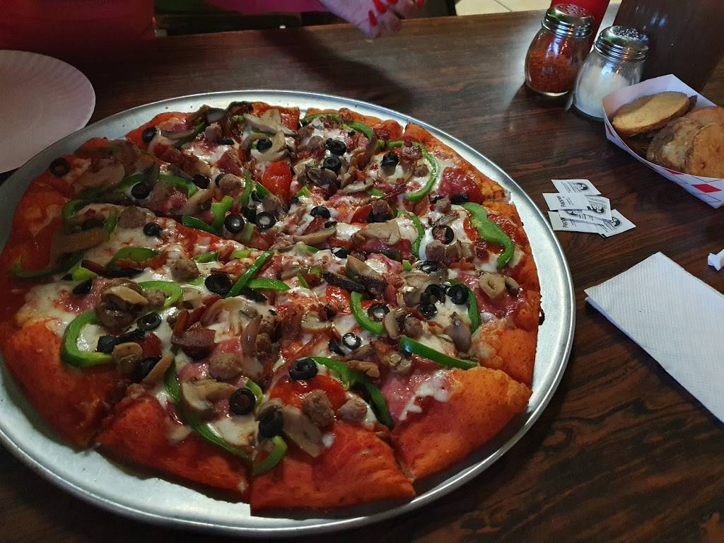 Pizzapollis   restaurant   2081 N Grand Ave, Nogales, AZ 85621, USA   5202810043 OR +1 520-281-0043
