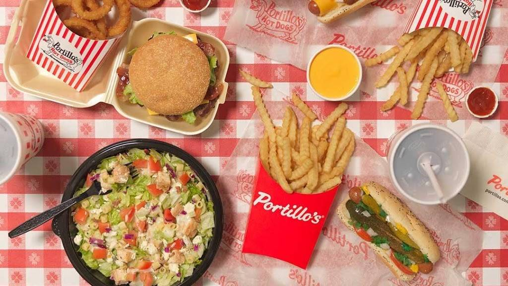 Portillos Hot Dogs | meal takeaway | 2306 N Prospect Ave, Champaign, IL 61822, USA | 2172079000 OR +1 217-207-9000
