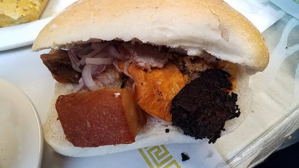 La Esquina Del Buen Gusto | restaurant | 4114 Palisade Ave, Union City, NJ 07087, USA | 2013920112 OR +1 201-392-0112