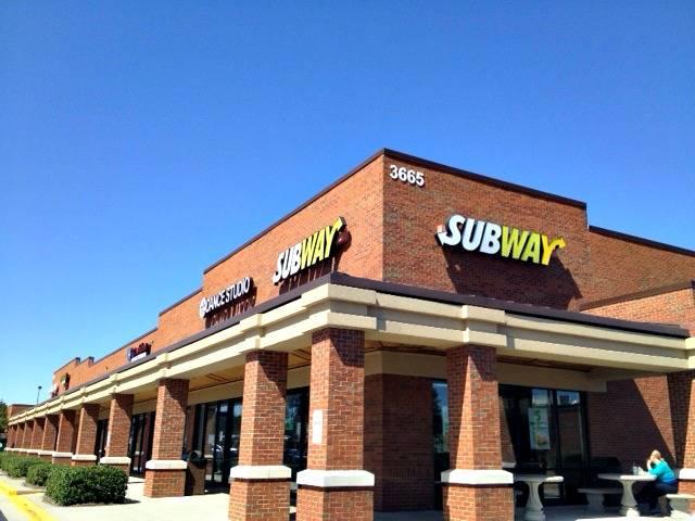 Subway | restaurant | 3665 Club Dr, Duluth, GA 30096, USA | 7709358844 OR +1 770-935-8844