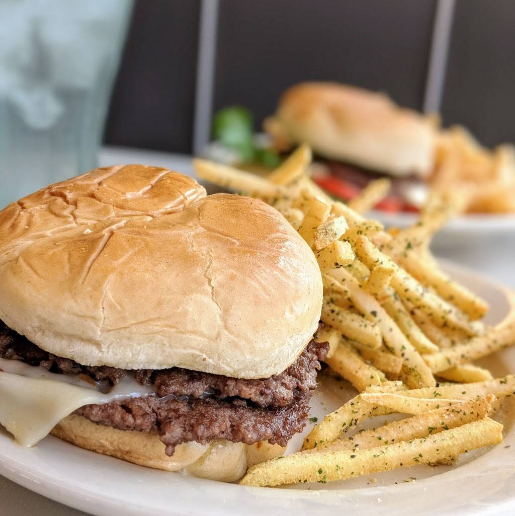 Steak n Shake | restaurant | 116 Grand Central Mall, Parkersburg, WV 26105, USA | 3044247050 OR +1 304-424-7050