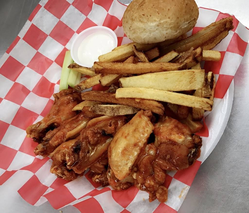 Gracie Bs | restaurant | 218 W Hill St, Thomson, GA 30824, USA | 7069628308 OR +1 706-962-8308