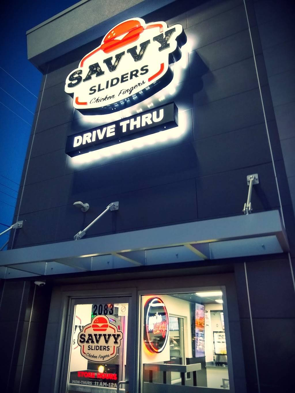 Savvy Sliders | meal takeaway | 2083 Dix Hwy, Lincoln Park, MI 48146, USA | 3133060000 OR +1 313-306-0000