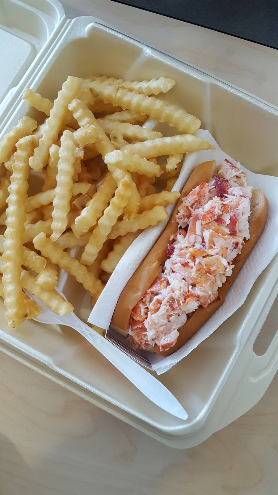 Jordans Snack Bar | meal takeaway | 200 Downeast Highway, Ellsworth, ME 04605, USA | 2076672174 OR +1 207-667-2174