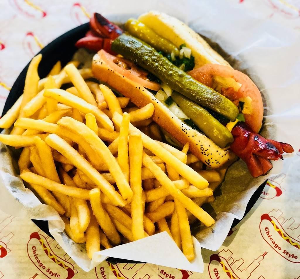 Chicago Hot Dog & Co.   restaurant   1009 Davis St, Evanston, IL 60201, USA   8478688569 OR +1 847-868-8569