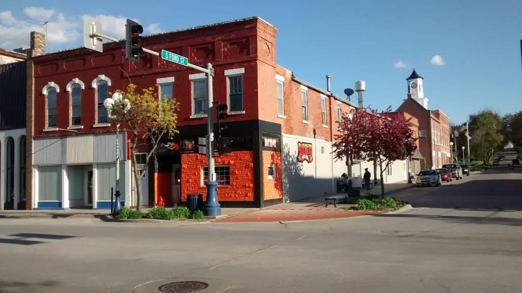 Hot Shots Bar & Grill | restaurant | 101 E Main St, Anamosa, IA 52205, USA | 3194629913 OR +1 319-462-9913