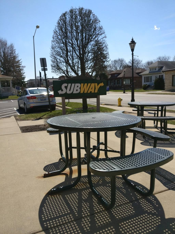 Subway   restaurant   17217 Oak Park Ave, Tinley Park, IL 60477, USA   7085328782 OR +1 708-532-8782
