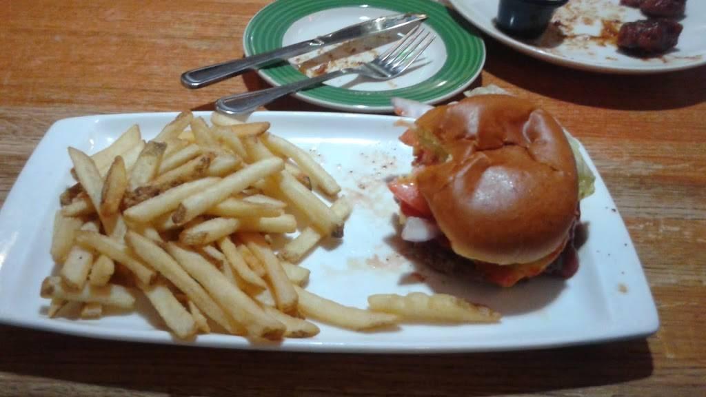 Applebees Grill + Bar | restaurant | 610 Exterior Street, Bronx, NY 10451, USA | 3472265700 OR +1 347-226-5700