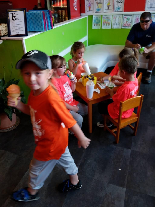 Big Dipper Ice Cream   restaurant   Petersburg, IN 47567, USA