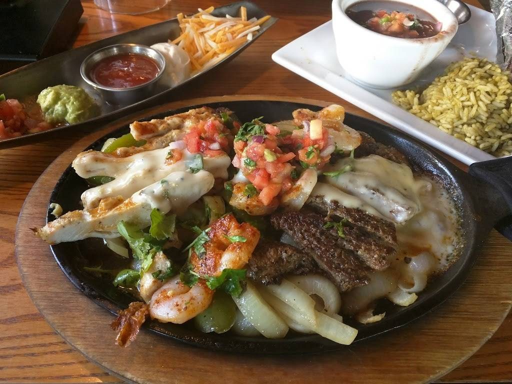 Chilis Grill & Bar | meal takeaway | 425 Washington Blvd, Jersey City, NJ 07310, USA | 2012391064 OR +1 201-239-1064