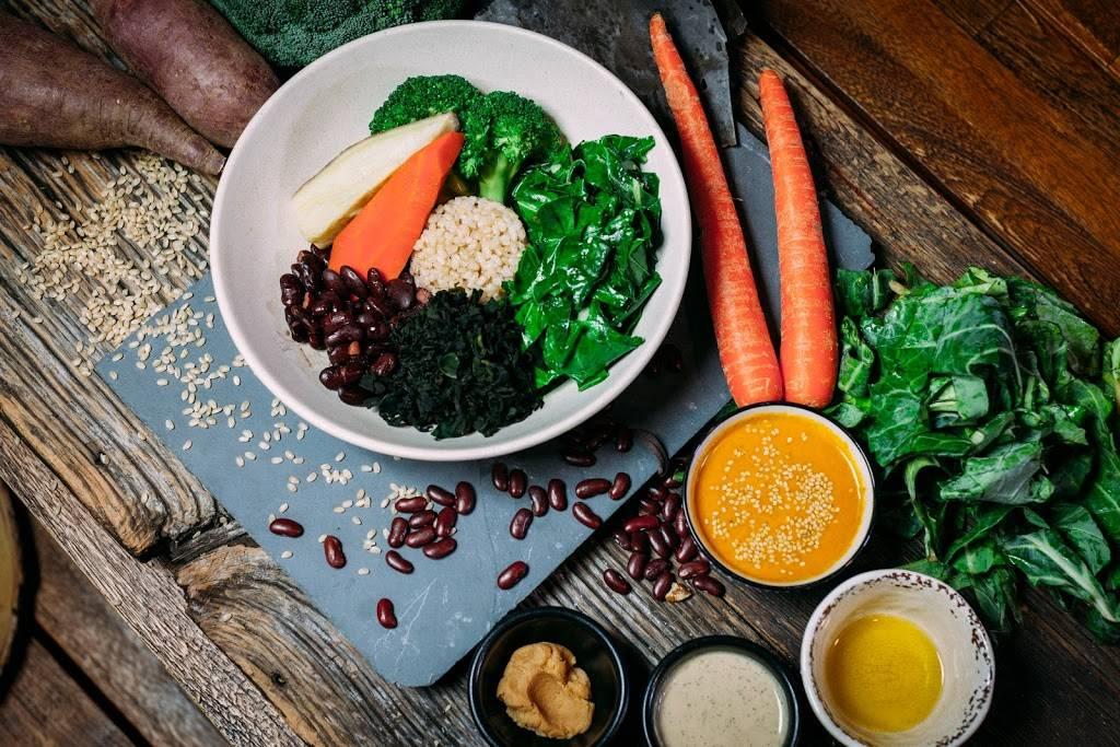 Juicery Kitchen | restaurant | 568 Union Ave, Brooklyn, NY 11211, USA | 7183873680 OR +1 718-387-3680
