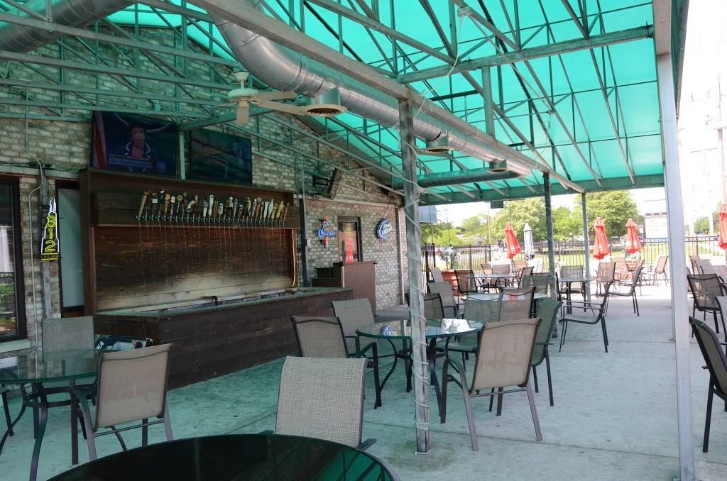 Xs & Os Sports Bar Palos Heights | night club | 6405 W 127th St, Palos Heights, IL 60463, USA | 7088249600 OR +1 708-824-9600