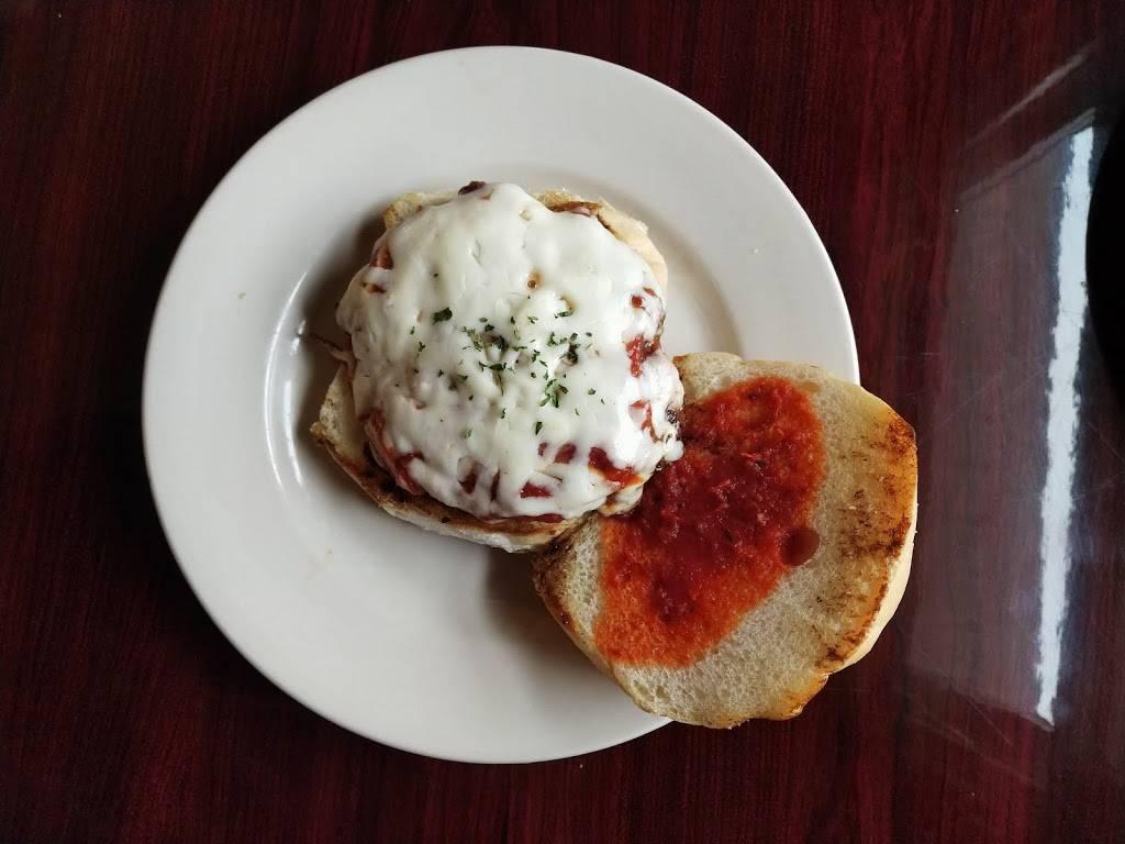 Chaplin'Z Best Pizza | restaurant | 237 Willimantic Rd, Chaplin, CT 06235, USA | 8604659114 OR +1 860-465-9114