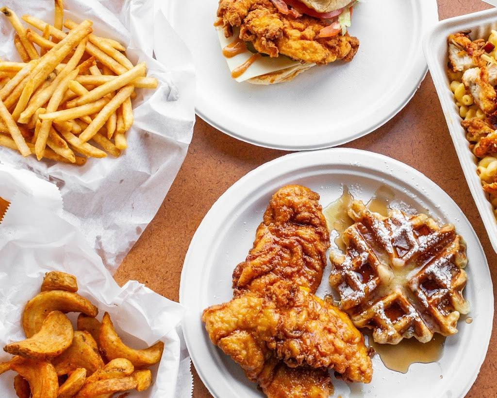 Roosters Chicken & Waffles | restaurant | 333 Arch St, New Britain, CT 06051, USA | 8602241991 OR +1 860-224-1991