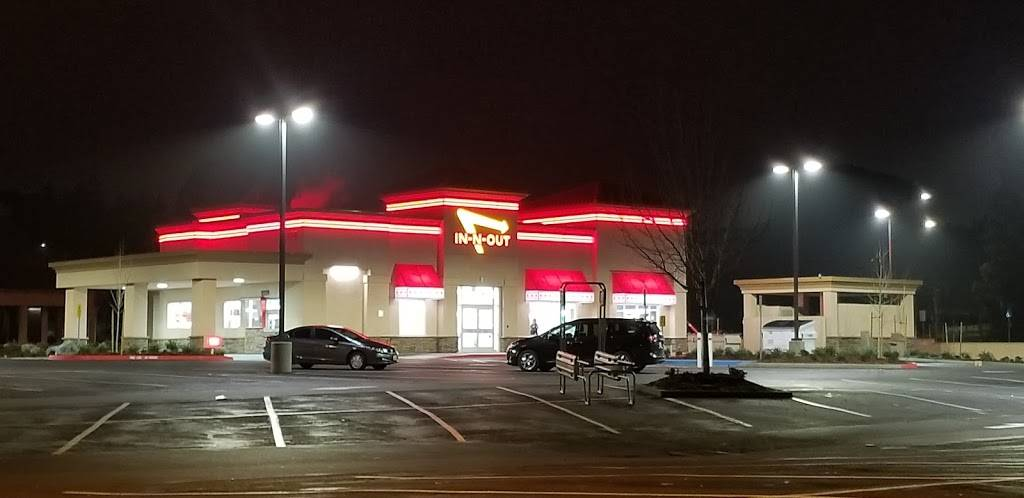 In-N-Out Burger | restaurant | 720 Admiral Callaghan Ln, Vallejo, CA 94591, USA | 8007861000 OR +1 800-786-1000