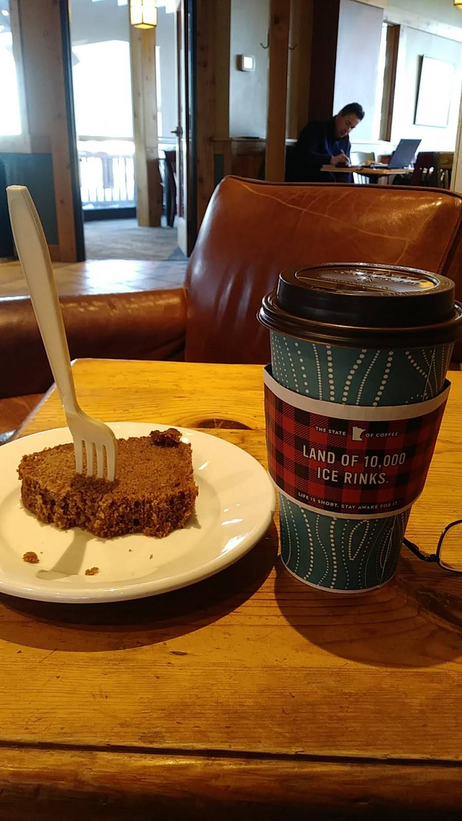 Caribou Coffee | cafe | 3100 White Bear Ave North, Maplewood, MN 55109, USA | 6517797345 OR +1 651-779-7345