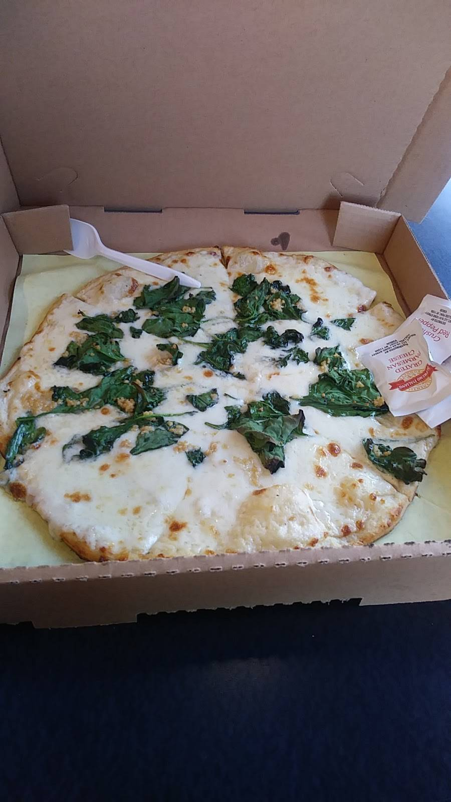 Fat Tomato Pizza | meal delivery | 7622, 1429 N Highland Ave, Los Angeles, CA 90028, USA | 3234980277 OR +1 323-498-0277
