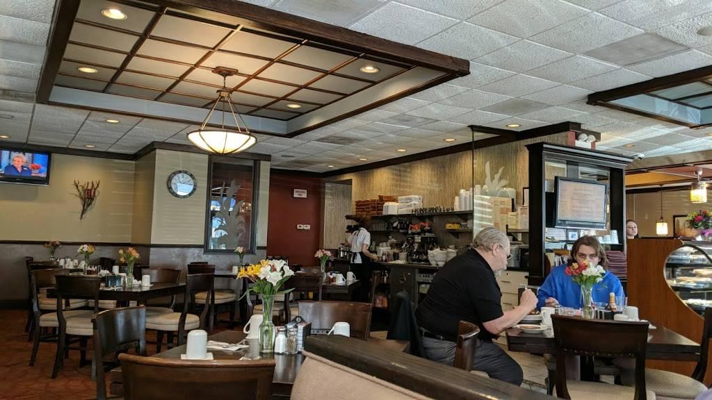 Hi-View Restaurant | restaurant | 425 W St Charles Rd, Villa Park, IL 60181, USA | 6306276611 OR +1 630-627-6611
