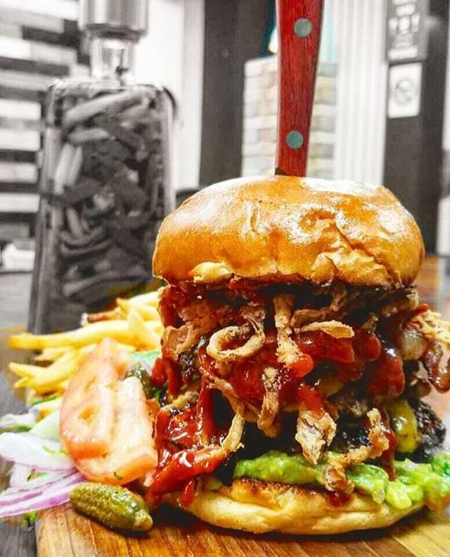 Zeus kitchen | restaurant | 27 24 21st St, Astoria, NY 11102, USA | 7186061904 OR +1 718-606-1904