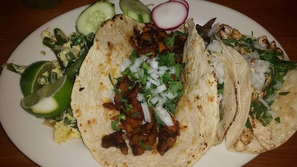 La Esquina Mexicana | restaurant | 214 Union Ave, New Rochelle, NY 10801, USA | 9144686888 OR +1 914-468-6888