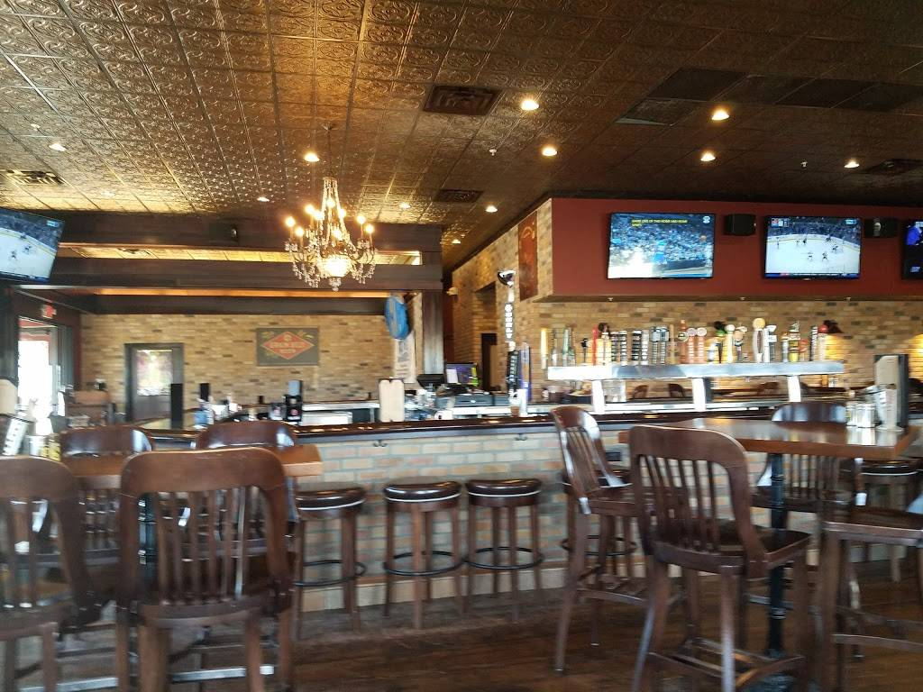 Crooked Pint Ale House | restaurant | 2723 Commerce Dr NW, Rochester, MN 55901, USA | 5072824222 OR +1 507-282-4222