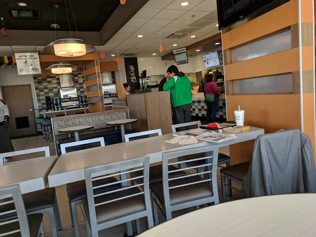 McDonalds | cafe | 3102 E Empire St, Bloomington, IL 61704, USA | 3096612004 OR +1 309-661-2004