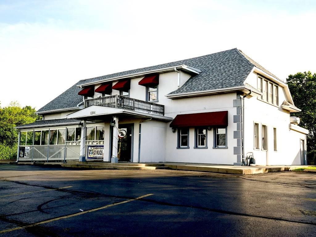 Crave Bar & Food Joynt   restaurant   1204 W Rand Rd, Arlington Heights, IL 60004, USA   8472592602 OR +1 847-259-2602