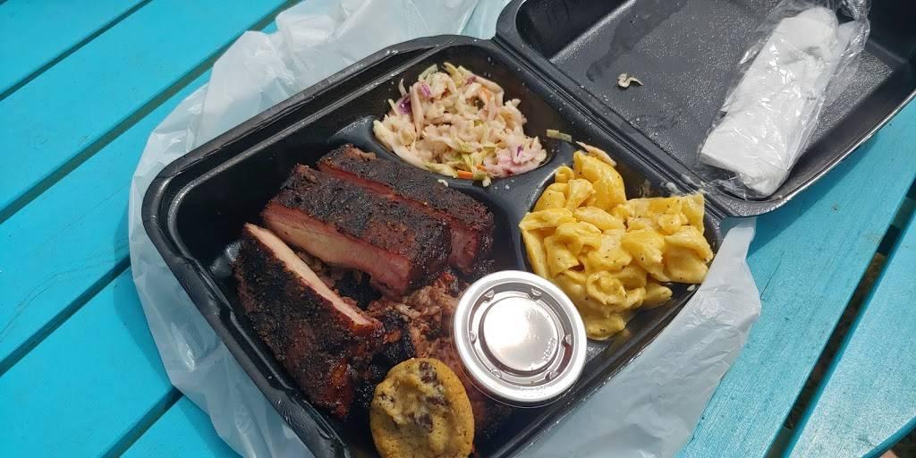 Wrights Barbecue   restaurant   208 NE 3rd St, Bentonville, AR 72712, USA