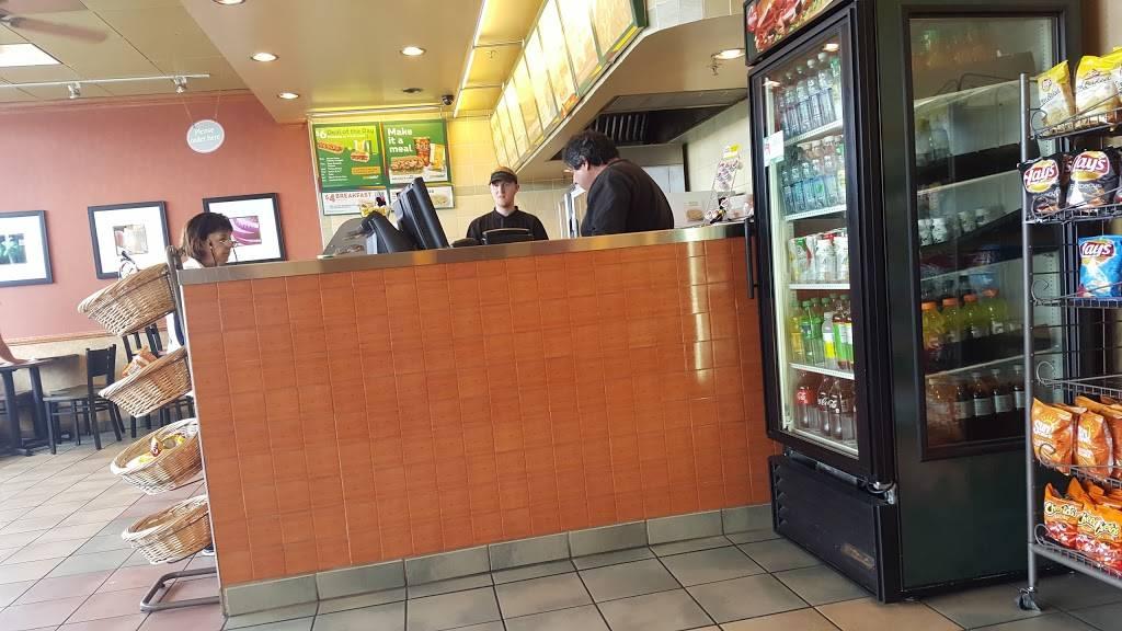 Subway Restaurants | restaurant | 1320 Linda Mar Shopping Center #61, Pacifica, CA 94044, USA | 6505570750 OR +1 650-557-0750