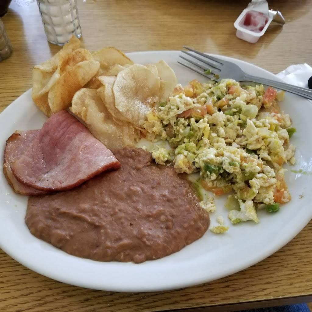 P & M Restaurant   restaurant   1513 3rd St, Floresville, TX 78114, USA   8303934364 OR +1 830-393-4364
