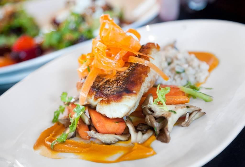 Ninety Acres | restaurant | 2 Main St, Peapack, NJ 07977, USA | 9089019500 OR +1 908-901-9500