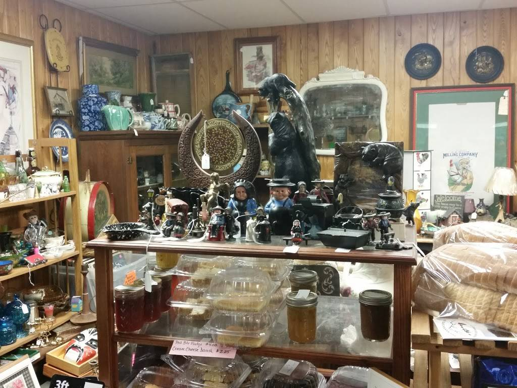 Bear Mountain Trading Post | shopping mall | 578 PA-154, Forksville, PA 18616, USA | 5709244467 OR +1 570-924-4467