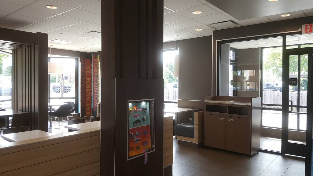 McDonalds   cafe   1988 1st St, Highland Park, IL 60035, USA   2243655759 OR +1 224-365-5759