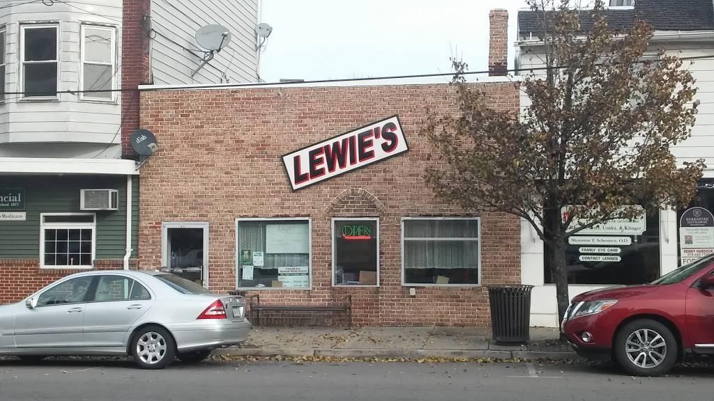 Lewies Restaurant | restaurant | 21 S Lehigh Ave, Frackville, PA 17931, USA | 5708743550 OR +1 570-874-3550