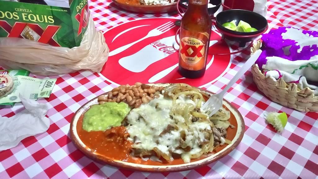 tacos la carreta rosa | restaurant | Calle Pedregal 2881, Playas, Playas De Tijuana, 22506 Tijuana, B.C., Mexico | 016641879725 OR +52 664 187 9725