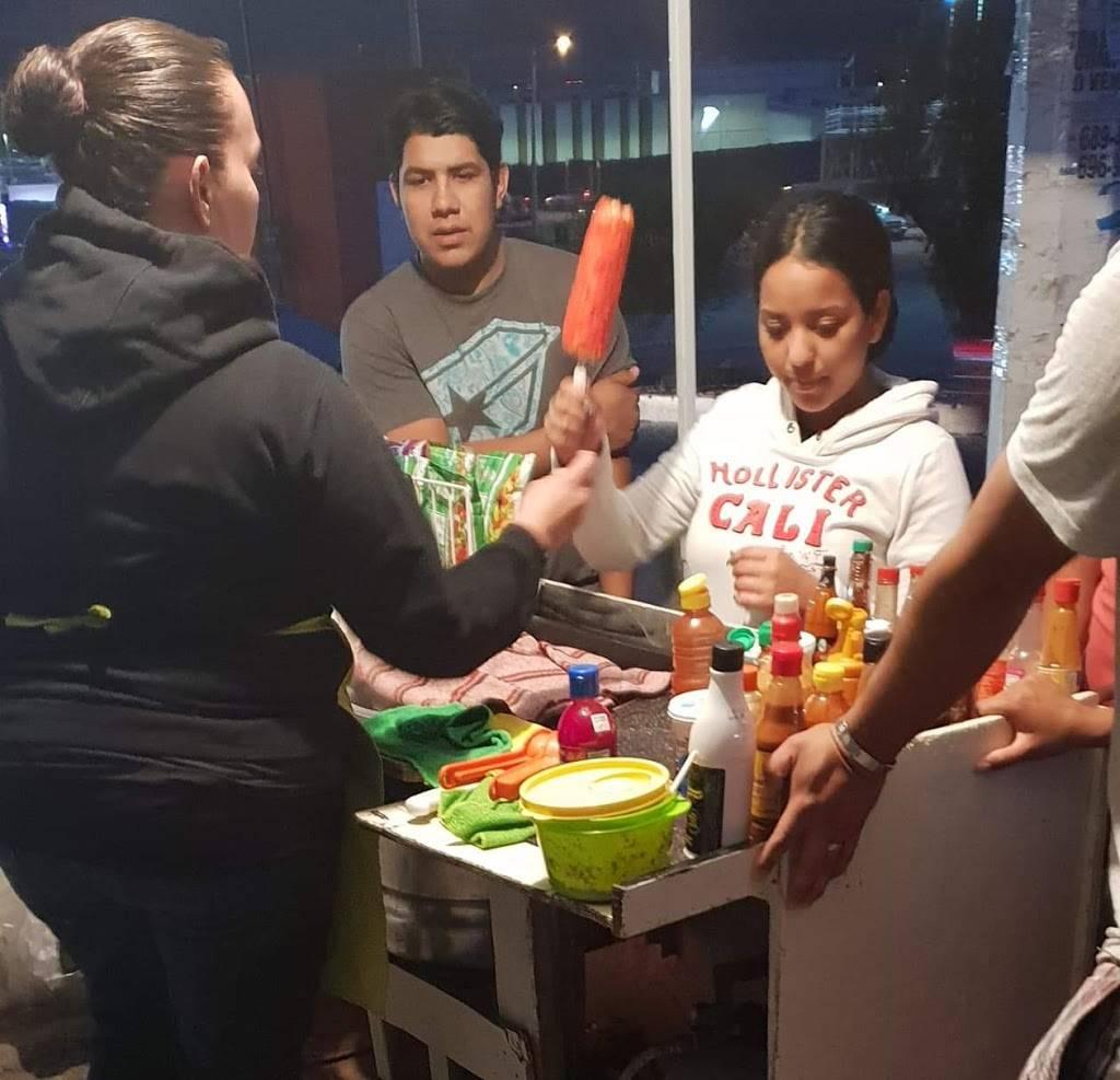 Elotes Preparados El Rorrini   restaurant   Circuito de los Carlos, privada Varadero s/n, El Laurel, El Refugio, 22253 Tijuana, B.C., Mexico   016644471613 OR +52 664 447 1613