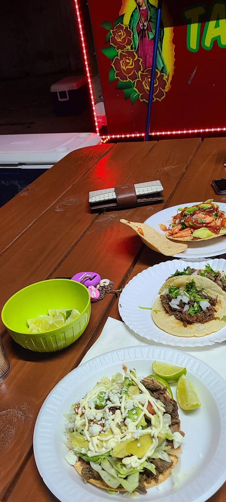 Las dos Morenitas | restaurant | 20141 Canterbury Ln, Porter, TX 77365, USA | 8322733784 OR +1 832-273-3784